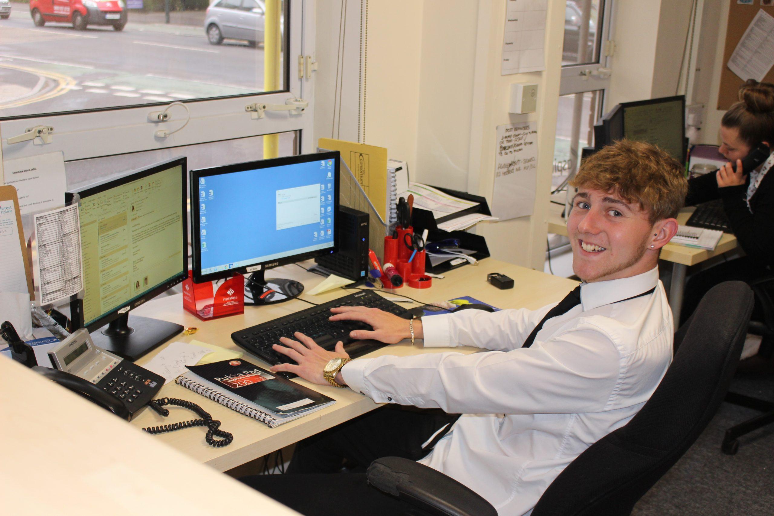 Admin apprentice computer