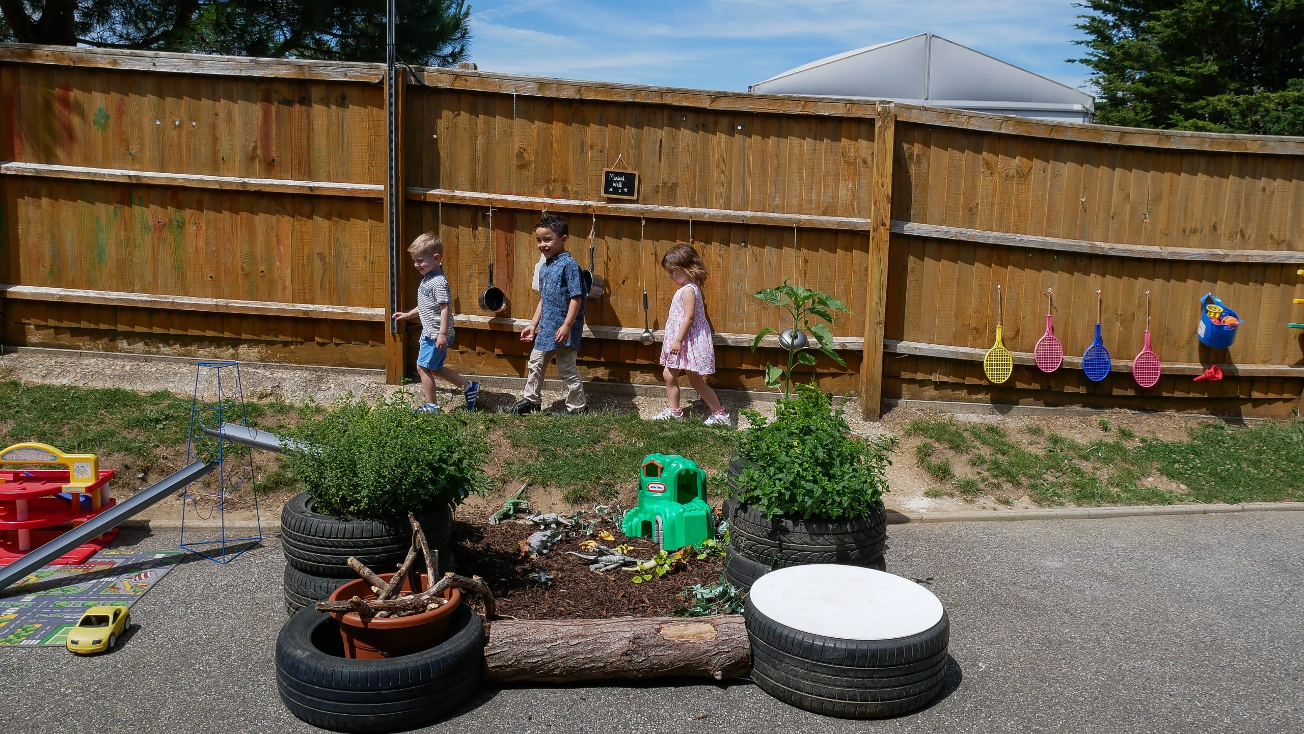 children outdoors play